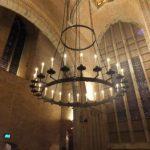 Kroonluchter in de kapel